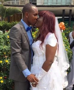 Jane weds Wisdom Obikah. Happy married life to the couple.