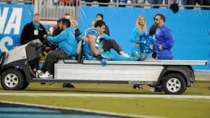 Luke kuechly suffer knee injury
